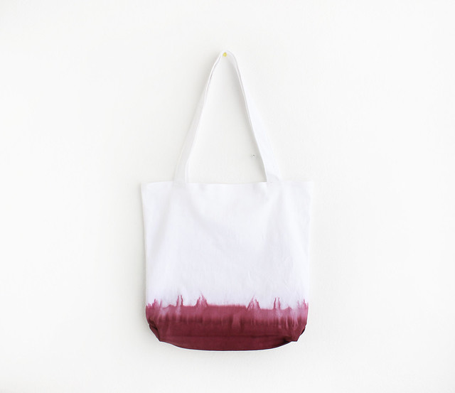 dyed tote. ziazia.