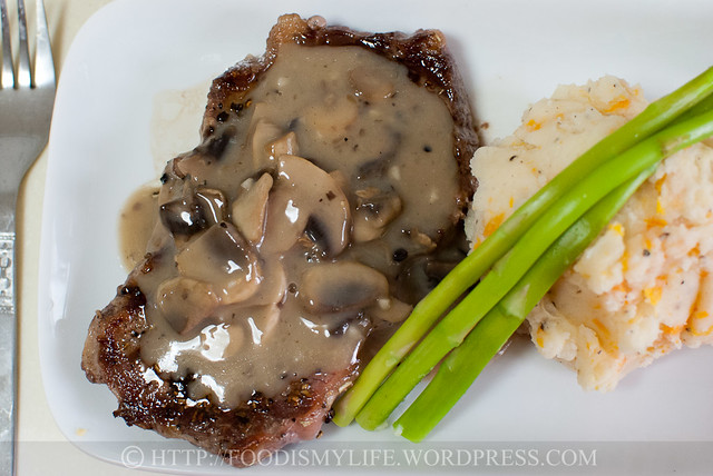 15-Minute Creamy Mushroom Sauce for Steaks