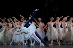 Thiago Soares as Prince Siegfried and Marianela Nuñez as Odette in Swan Lake