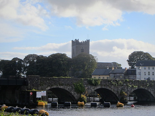bridge clare view tipperary anglican protestant killaloe ballina rivershannon stflannans churchofirelandcathedral