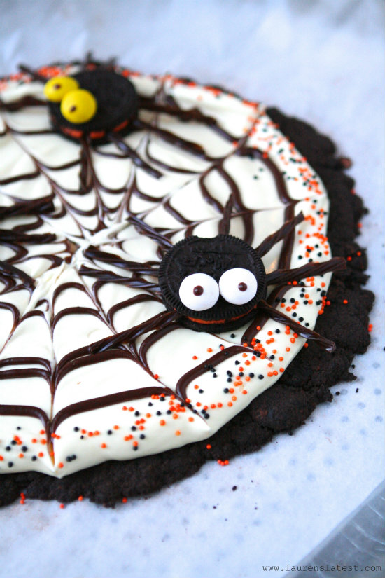 Oreo Spider Web Cookie Pizza from Lauren's Latest