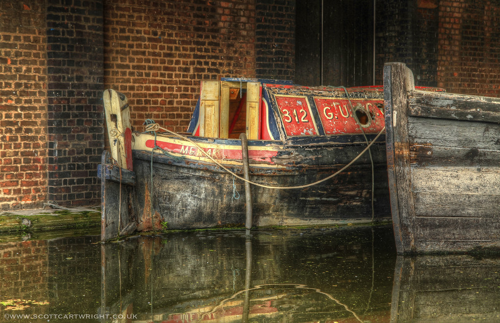 Old Canal Boat HDR