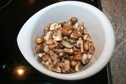 21 - Champignons entnehmen / Remove mushrooms