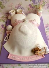 Vintage Baby Shower Pastası