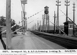 Davenport Road and Grand Trunk Railway crossing, looking east