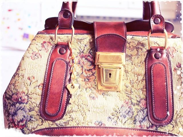 Tapestry bag vintage