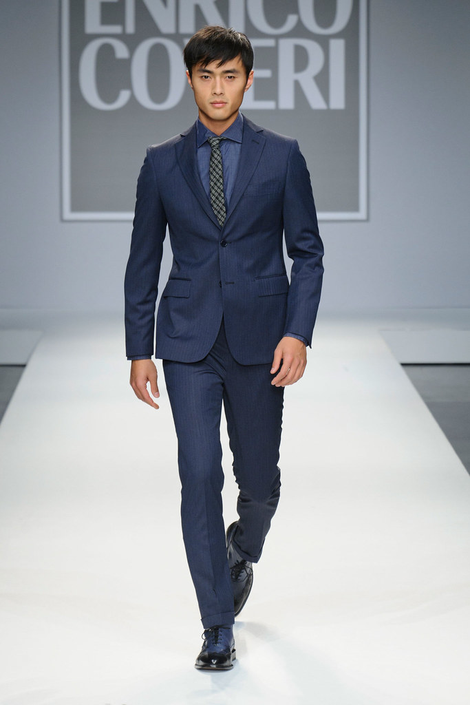FW13 Milan Enrico Coveri006_Zhao Lei(fashionising.com)