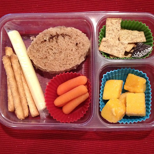 Football lunch for the Super Bowl #kidslunch #whatsforlunch