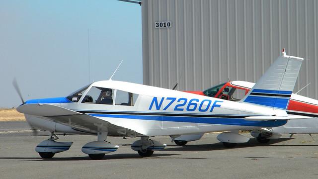 Piper PA-28-140 Cherokee (N7260F) 1968