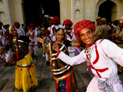 beinssen-paul-rajastani-dance-troupe-at-annual-elephant-festival-street-procession-jaipur-india