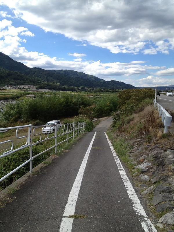 サイクリングロードへ