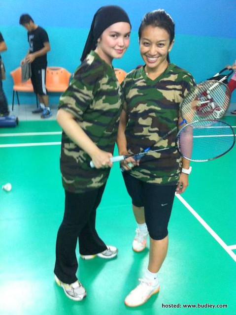 Fara Fauzana Siti Nurhaliza Lawan Main Badminton