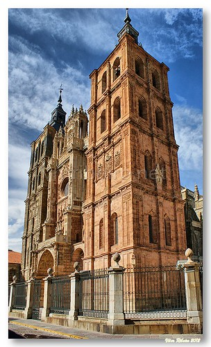Fachada da catedral de Astorga by VRfoto