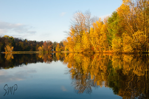 Obligatory Fall Color on Galway Lake by UpstateNYPhototaker