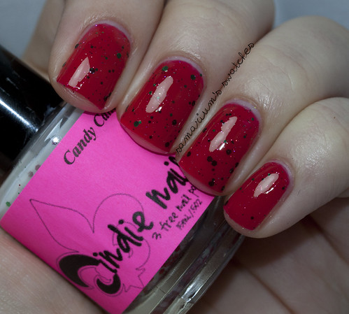 Jindie Nails Kiss Me Under the Mistletoe (1)