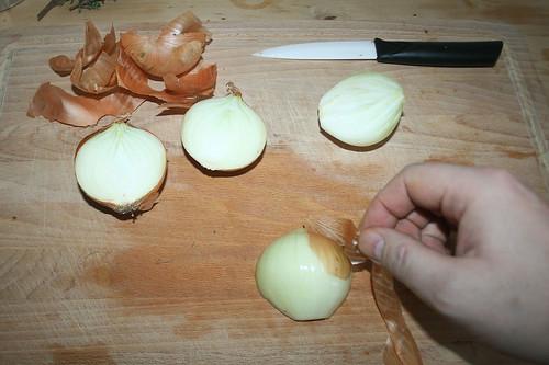 23 - Zwiebeln schälen / Peel onions