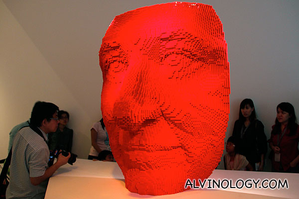 Nathan Sawaya's self portrait in LEGO bricks