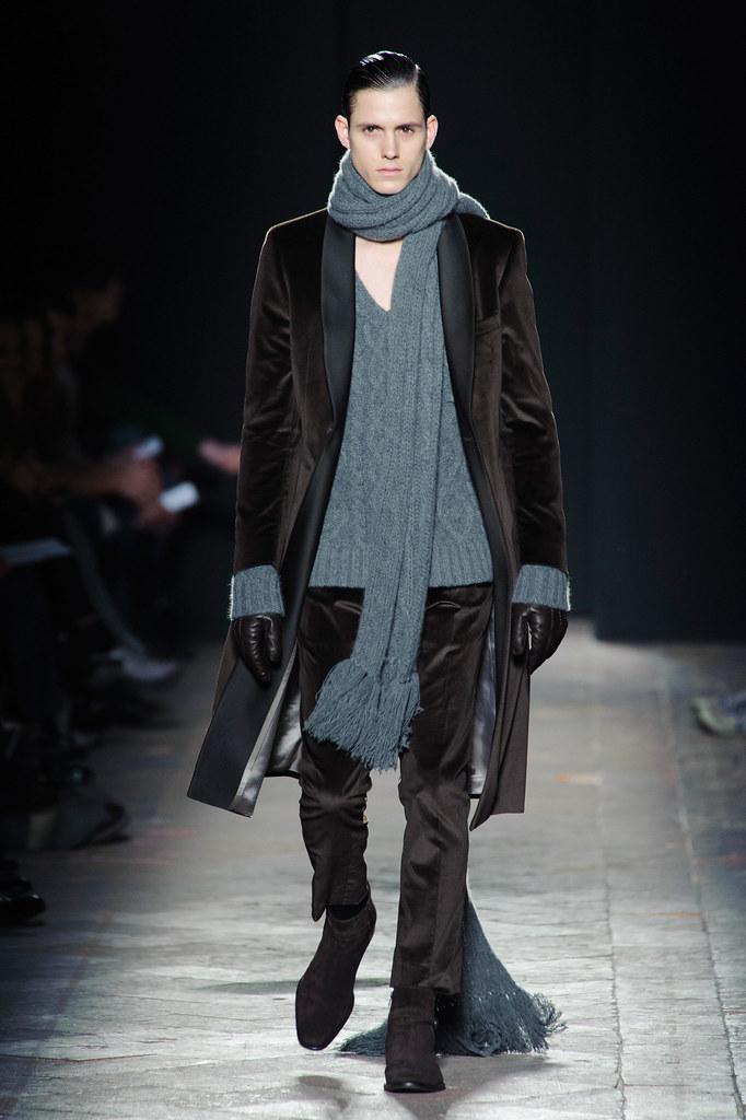 FW13 Milan Daks002_Luuk Van Os(fashionising.com)