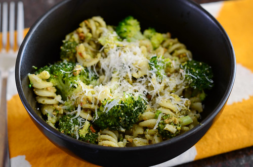 pasta with broccoli and pistachio pesto