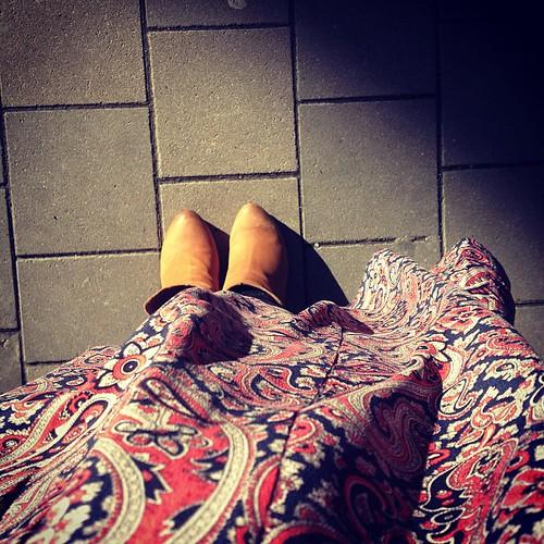 The wind loves my @essentieltweets skirt... #loveisessentiel