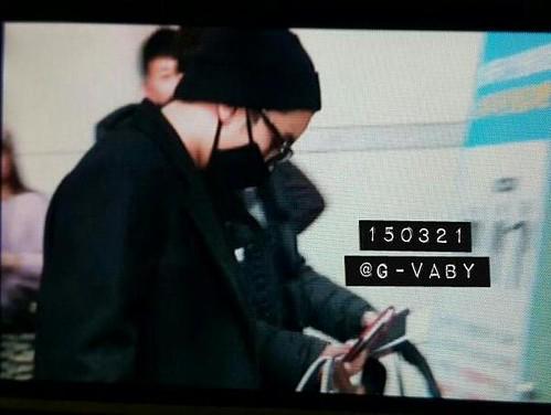 Big Bang - Incheon Airport - 21mar2015 - Seung Ri - G_Vaby - 01