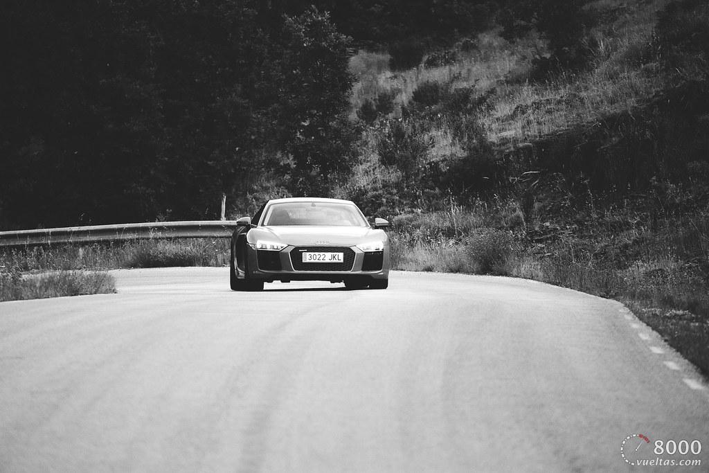 B&W Audi R8 V10