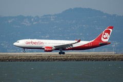 AB_330 -200 D-ALPA landing at SFO runway 28 profile DSC_1821