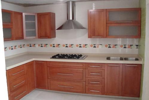 Cocinas integrales de madera de cedro imagui for Cocinas integrales modelos y precios