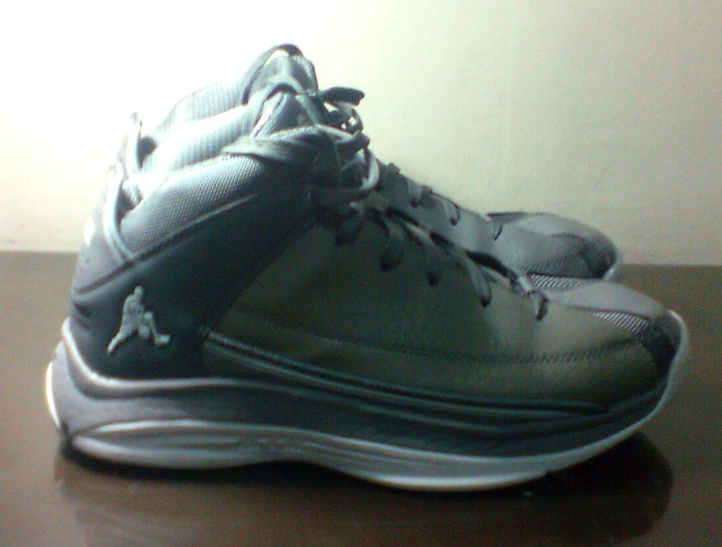 db0c8e5fbed The Dbl Dribble is a no-frills basketball shoe. The gray synthetic fabric  has that blue collar