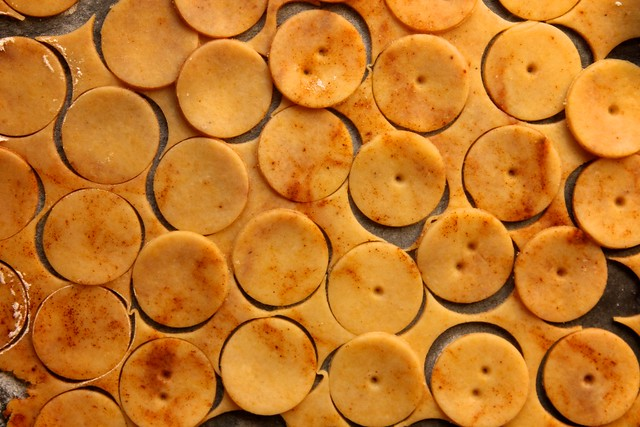 Sharp Cheddar Cheese Crackers