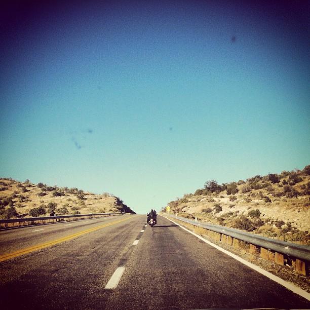 Шоссе 66, по дороге во Флагстафф, Аризона.