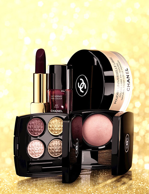 Chanel christmas collection 2012 eclats du soir de chanel regard signé de chanel harmonie du soir illusion d'ombre apparence stylo yeux waterproof grenat poudre universelle libre rèverie rouge allure velvet l'impatiente lèvres scintillantes mystery le vernis malice swatch swatches foto photo