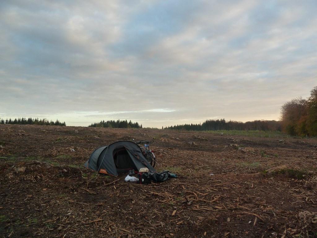 Campament desolat, prop de Guedine (Bèlgica)