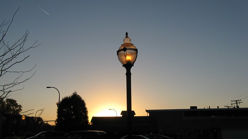 Autum sunset at the end of a clear day.  Oak Lawn Illinois.  October 2012. by Eddie from Chicago