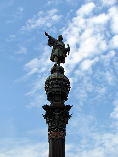 Statue of Christopher Columbus in Barcelona by https://www.flickr.com/photos/davidberkowitz/