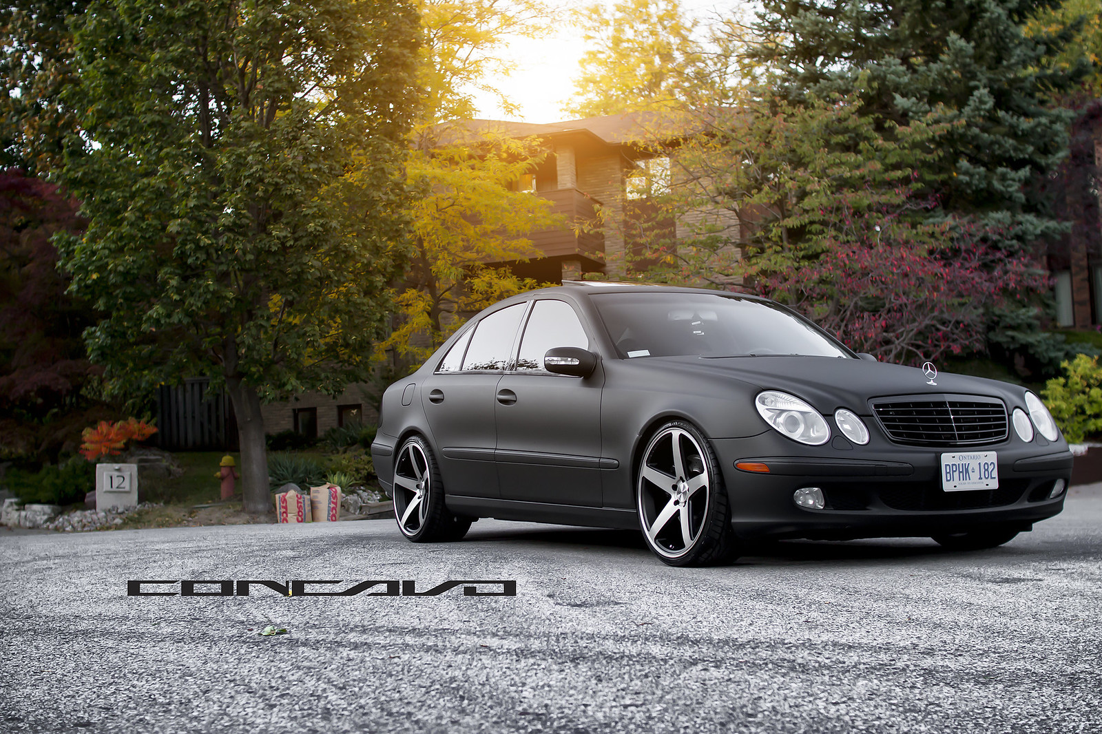 Mercedes benz e500 matte black sitting on concavo cw 5 for Matte black mercedes benz