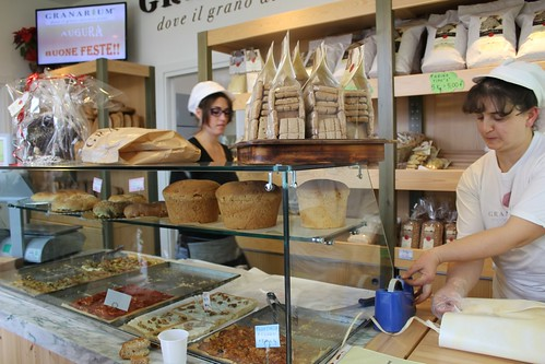 the bakery store at Granarium