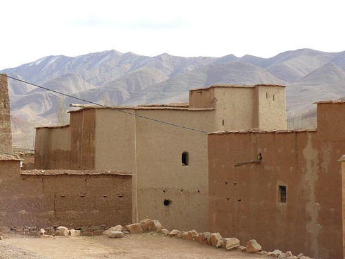 Casas de adobe de Tamtattouchte (Medio Atlas, Marruecos)