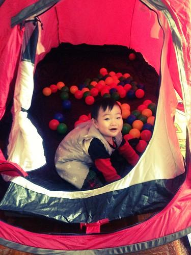 21 帳篷玩球