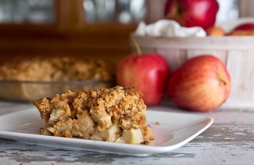 Apple Pie with Peanut Butter Crumb Topping