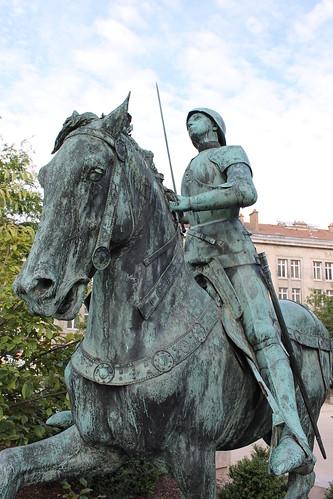 2012.08.04.045 - REIMS - Place du Cardinal Luçon - Statue équestre de Jeanne d'Arc