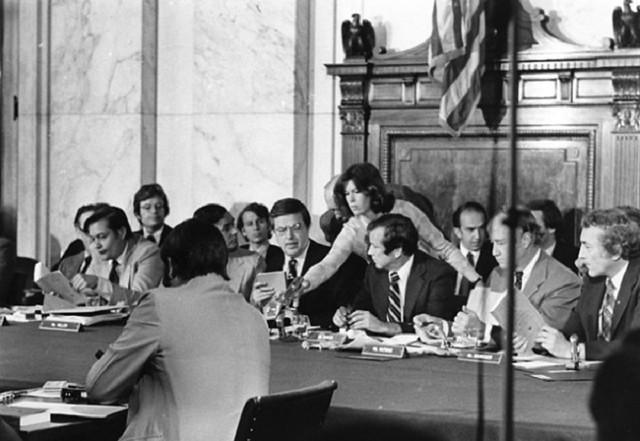 Comité Church, en el Senado de los EEUU, denunció prácticas ilegales de la CIA y del FBI - Créditos: Reproducción