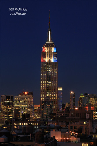 Spiffy new color scheme for Empire State Building on election night