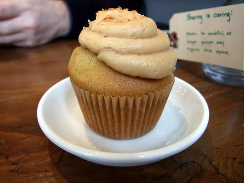 Tori's Bake Shop - Pumpkin Cupcake