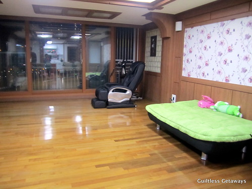 living-room-homestay-korea.jpg