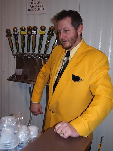 The Man in the Yellow Suit (02)