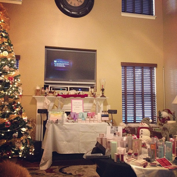 Supporting my mother-in-law at her Mary Kay and Thirty One Gifts open house. Lots of goodies!