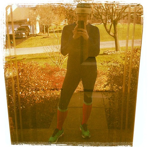 Queen of fashion right here with my hot pink compression socks tucked into my capris. #keepittight #fitfluential