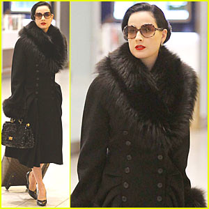 dita-von-teese-lax-heathrow