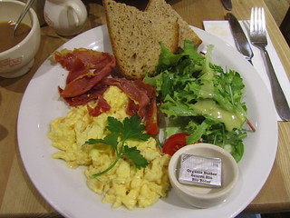 Le Pain Quotidien breakfast, London